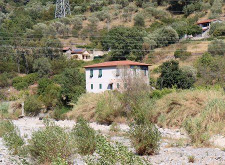Camporosso (IM) – il greto del torrente Nervia all'altezza della Centrale Elettrica
