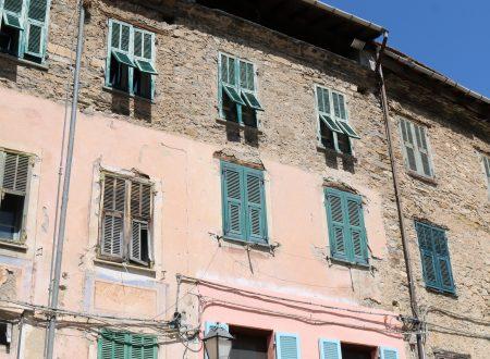 Buggio, Frazione di Pigna (IM): Piazza Vittorio Emanuele II