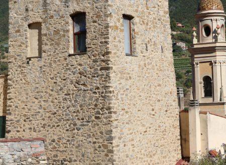 Vallebona (IM): una Torre ed il campanile nuovo